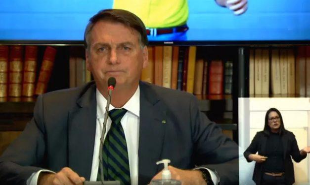Após três anos falando em 'fraudes eleitorais', Bolsonaro faz live com notícias falsas e admite não ter provas das acusações