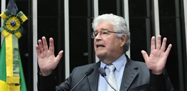 Requião anuncia saída do MDB e chama partido de 'bolsonarista' e 'racista'