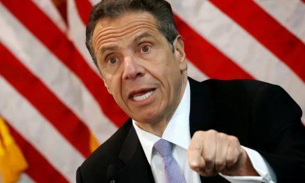 Procuradoria conclui que governador de NY assediou mulheres e funcionárias
