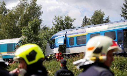 Acidente com trens deixa 3 mortos e dezenas de feridos na República Tcheca