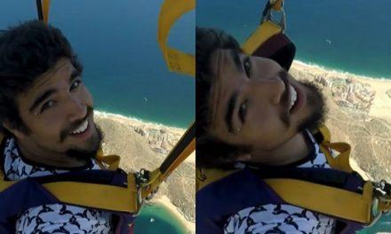 """No México, Caio Castro mostra espírito aventureiro em salto de paraquedas e fãs se impressionam: """"Que coragem"""""""
