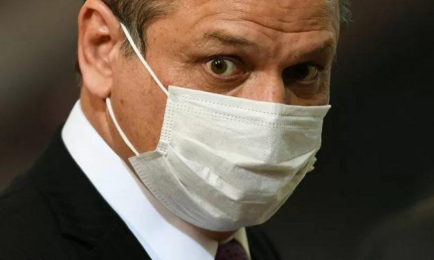 Aziz suspende sessão após Barros acusar CPI de afastar vacinas do Brasil