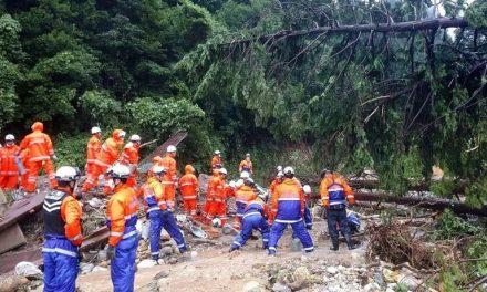 Chuvas torrenciais causam inundações de deslizamentos no Japão