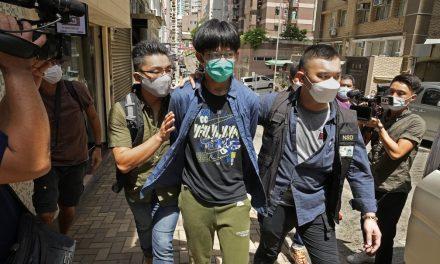 Estudantes são detidos em Hong Kong por apologia ao terrorismo