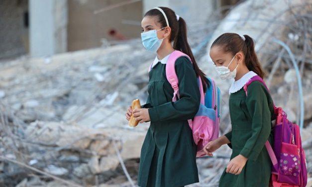 Covid: Israel impõe restrições para crianças com mais de 3 anos após aumento de casos