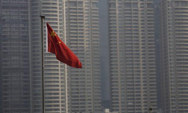 China aprova lei sobre dados pessoais na internet