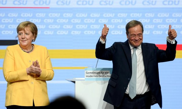 Angela Merkel manifesta apoio a candidato conservador de seu partido para sucedê-la