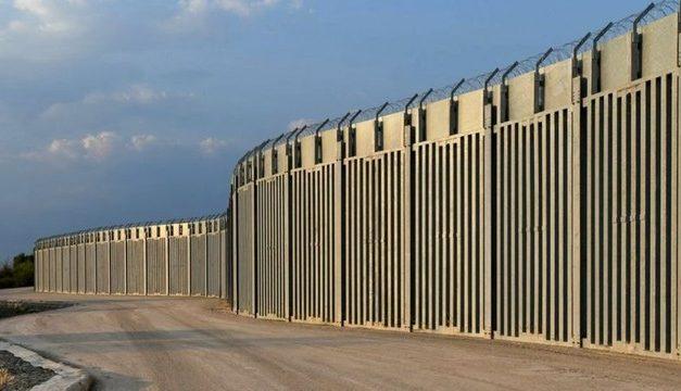 Grécia constrói muro de 40km para barrar entrada de refugiados afegãos