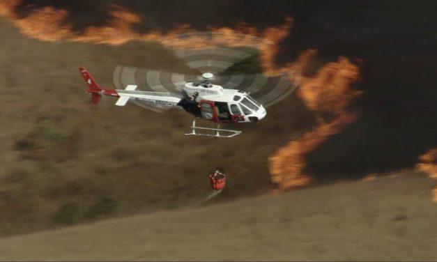 Bombeiros seguem combatendo incêndio no Parque Estadual do Juquery, em Franco da Rocha, nesta segunda