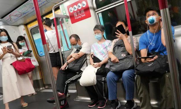 China registra um dia sem novos contágios de covid-19 pela 1ª vez em um mês