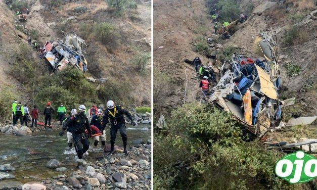 Acidente de ônibus deixa 21 mortos no Peru