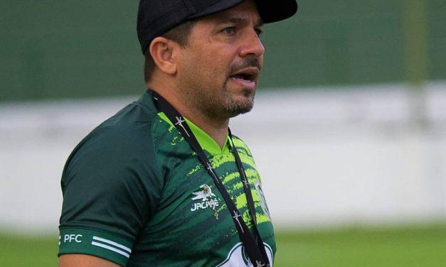 """Robson Melo comenta saída de Derlan do PFC e fala de duelo contra o líder: """"Vamos dar a vida"""""""