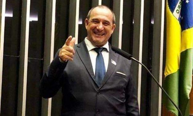 'Eu boto o dinheiro onde quiser', diz prefeito do RS flagrado pela PF com R$ 505 mil em aeroporto