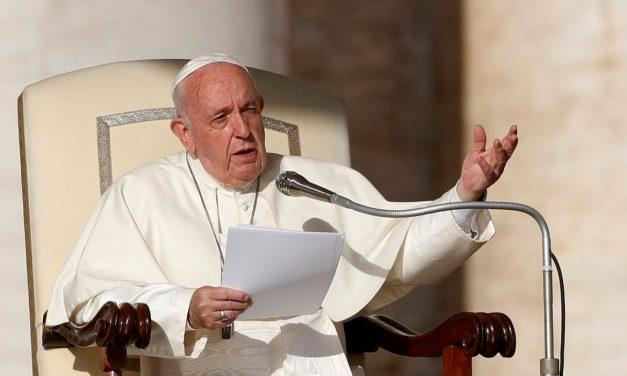 Papa diz que pandemia pode ajudar a 'melhorar política'