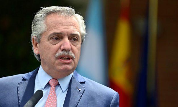 Presidente da Argentina diz que 'dois modelos' se enfrentam nas eleições legislativas
