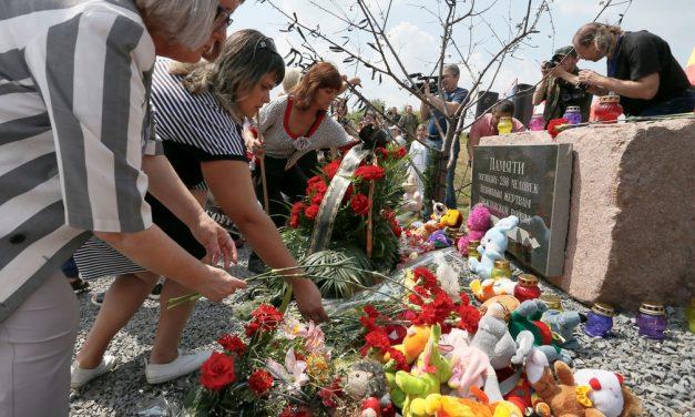 Famílias de vítimas de voo derrubado na Ucrânia pedem justiça à Rússia