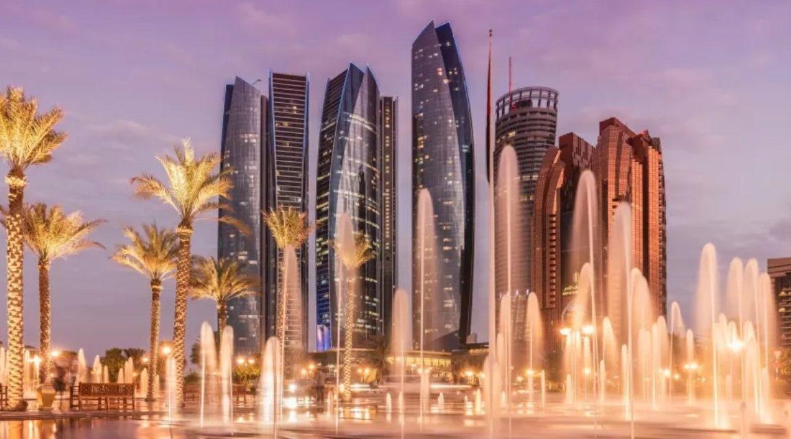 Abu Dhabi suspende quarentena para turistas já completamente vacinados