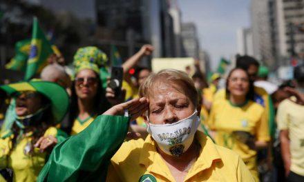 Apoiadores veem traição de Bolsonaro e aliados tentam vender que Declaração à Nação foi estratégia