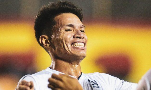 """Tocantins dedica gol à esposa e agradece esforço do Remo por cirurgia na face: """"Fizeram coisas que nenhum lugar fez"""""""
