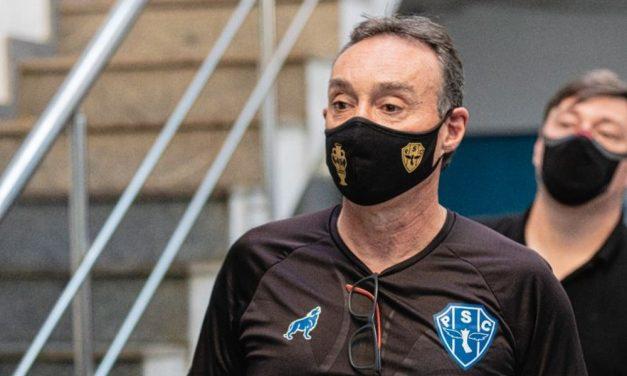 """Fonseca classifica goleada sofrida pelo Paysandu como """"doída"""" e diz: """"Procurar juntar os cacos"""""""