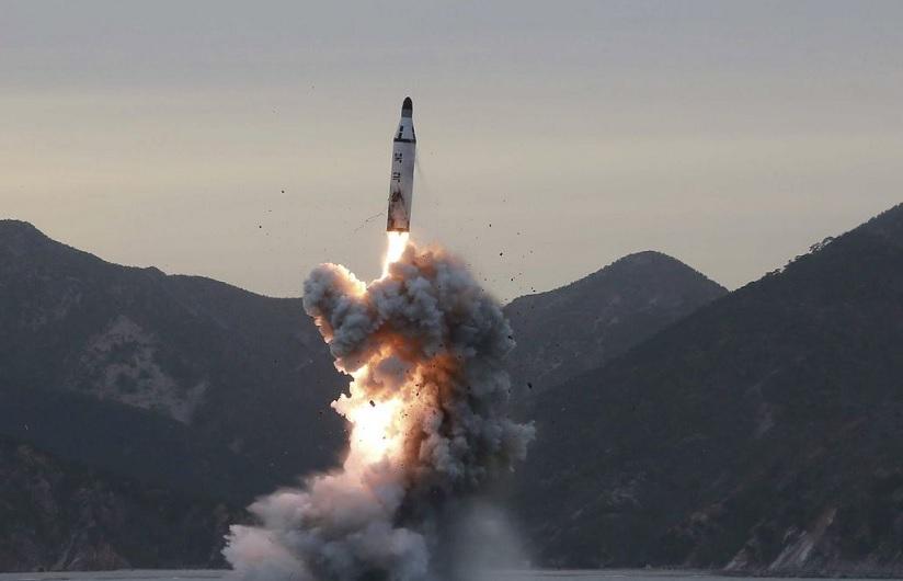 Coreia do Norte e Coreia do Sul testam mísseis e ampliam corrida armamentista