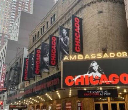 Broadway comemora retorno de seus musicais