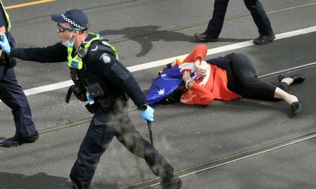 Protesto contra lockdown tem mais de 200 detidos em Melbourne