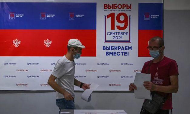 Rússia: marcadas por repressão da oposição, eleições legislativas se encerram hoje
