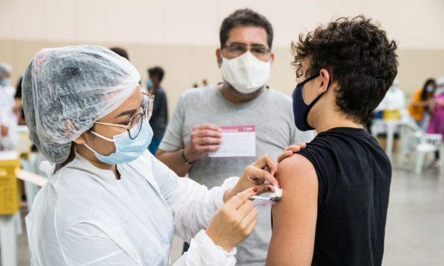 PSB vai ao STF para Ministério da Saúde retomar vacinação de adolescentes