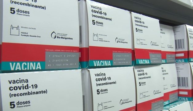 União Europeia pede que EUA autorizem entrada de pessoas vacinadas com doses da AstraZeneca