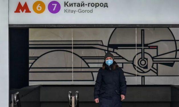 Rússia iguala recorde de mortes diárias por covid-19 em meio ao aumento de casos