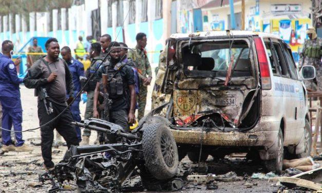 Atentado com carro-bomba na Somália deixa sete mortos