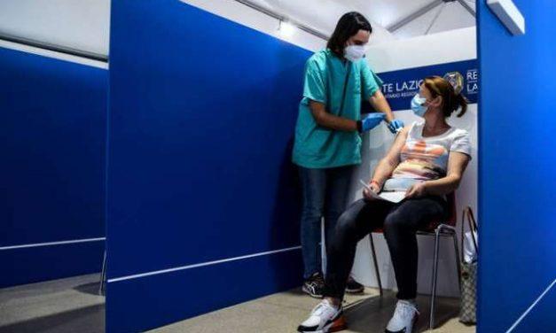 Itália comemora 'aumento significativo' de busca por vacinas