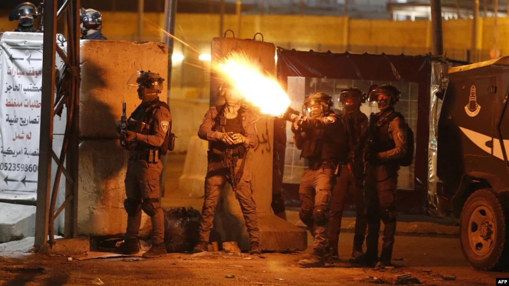 Tropas israelenses matam cinco homens armados do Hamas em ataques à Cisjordânia, diz exército
