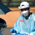 Australianos vislumbram o fim do confinamento com a queda de casos de covid-19