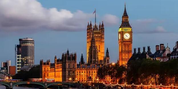Corrida aos postos: Reino Unido põe Forças Armadas de prontidão