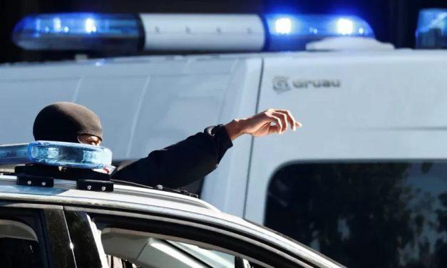 42 homens são presos na França por estupro de mulher drogada pelo marido