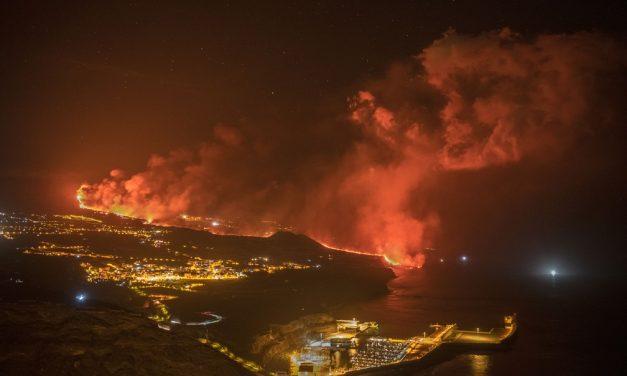 Ilha de La Palma 'cresce' mais de 3 km² com avanço da lava no mar
