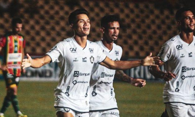 """Buscando titularidade, Tocantins deixa decisão com Conceição: """"Ele sabe o melhor para a equipe"""""""