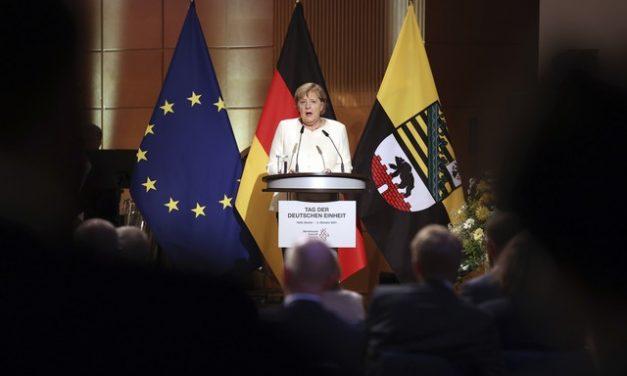 Merkel faz apelo por diálogo aos partidos após eleições na Alemanha