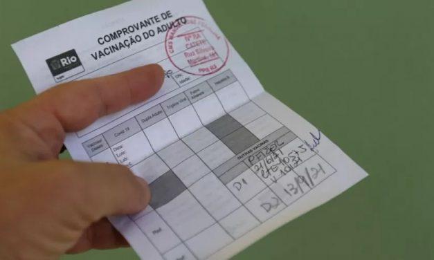 Saúde nega certificado de vacinação para quem tomou 2ª dose diferente da 1ª