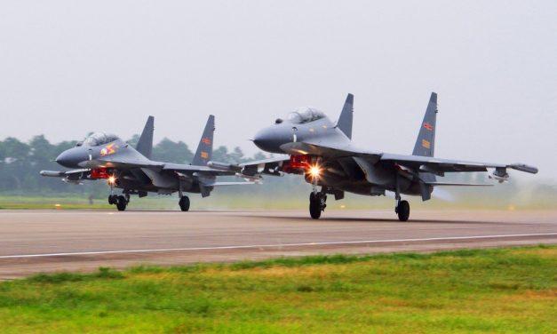 Após invasão recorde de aviões militares chineses, Taiwan alerta para 'consequências catastróficas'