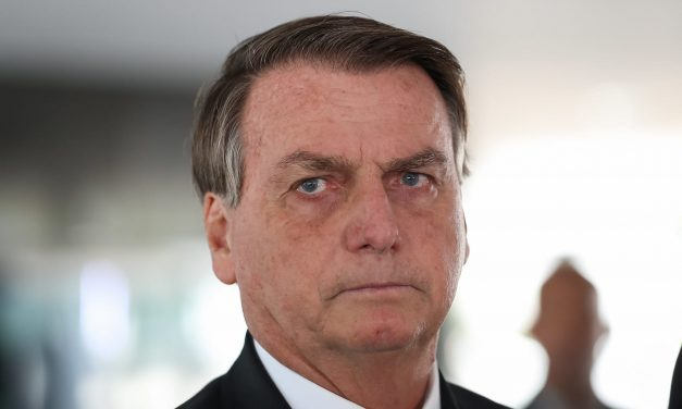 CPI acusa Bolsonaro de agir para tirar de pauta estudo contra cloroquina