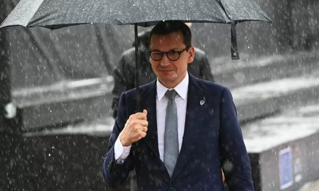 Polônia diz querer ficar na UE após decisão judicial histórica que pode levar ao 'Polexit'