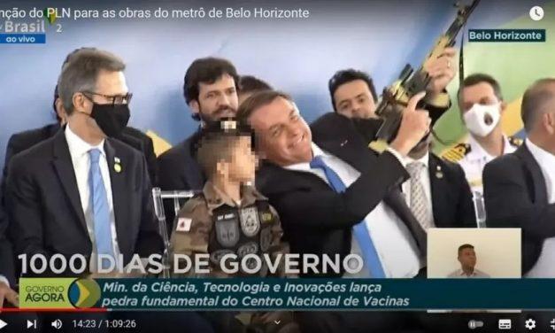 Exposição por Bolsonaro de criança com arma 'é retrocesso de 20 anos', diz membro de comitê da ONU