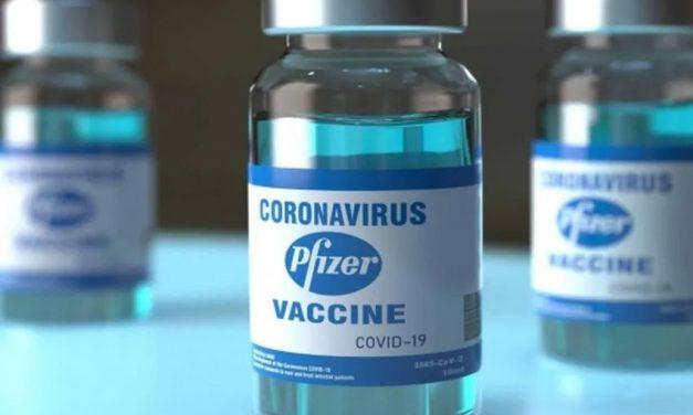 Primeiro lote de vacinas de novo contrato da Pfizer chega ao Brasil