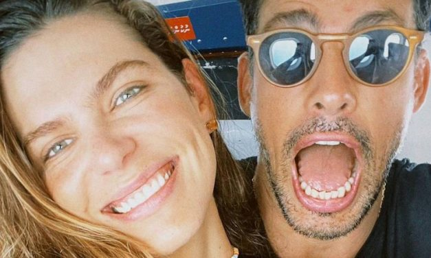 """Nas Maldivas, Cauã Reymond e Mariana Goldfarb ficam cara a cara com tubarão: """"Quero ver quem vai pular"""""""