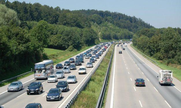 Alemães voltam a debater restrições sobre autobahns, as rodovias que não têm limite de velocidade