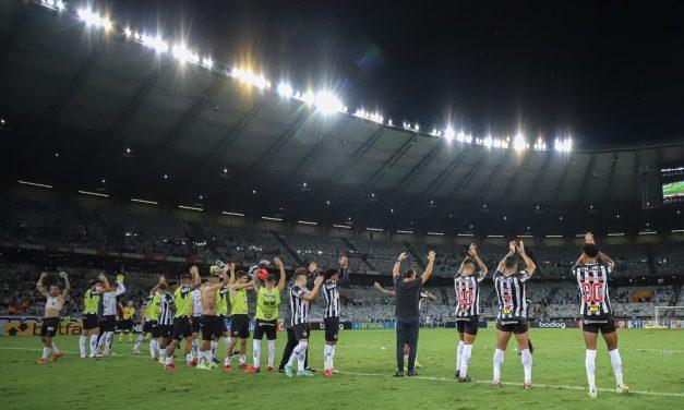 Público do Atlético-MG aumenta, e diretoria reduz preço do ingresso para jogo contra o Santos