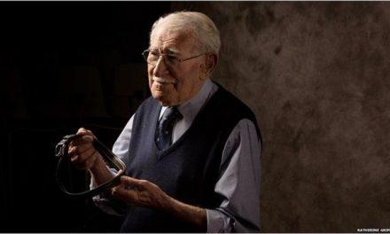 Morre aos 101 anos Eddie Jaku, sobrevivente do Holocausto e autor de 'O Homem Mais Feliz do Mundo'